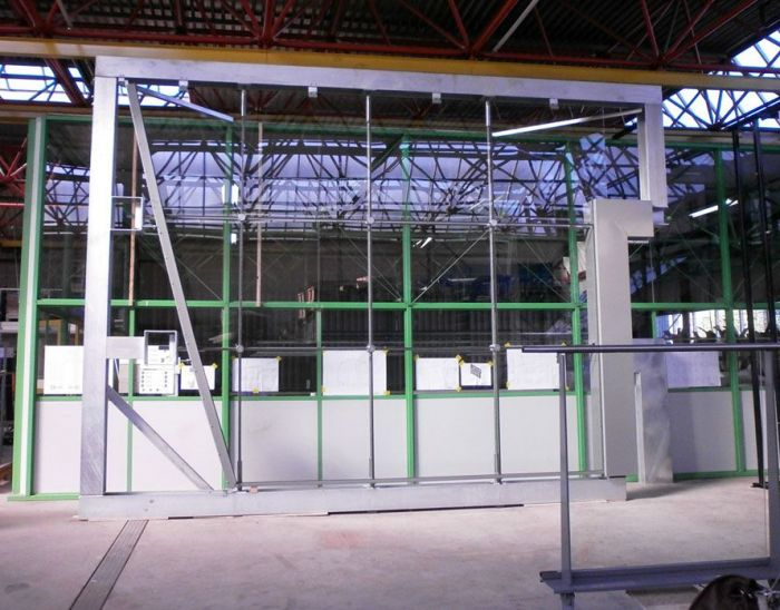 First glass panels in cablenet facades Market Hall