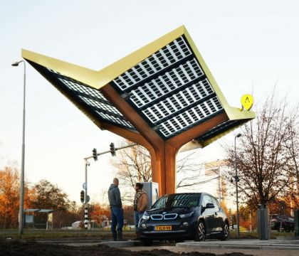 Opening first urban fast-charging station in the Netherlands